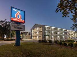 Studio 6-Savannah, GA, hotel near Savannah Municipal Golf Course, Savannah
