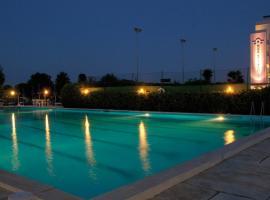 Hotel Baya Strand, hotel a Milano Marittima