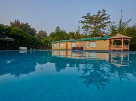 Acorn Hideaway Resort & Spa, room in Rāmnagar