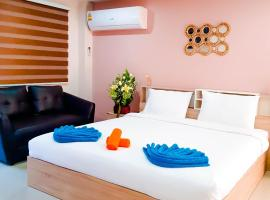 Ambrosial Suites Premium Boutique Walking Street, hotel in Pattaya South