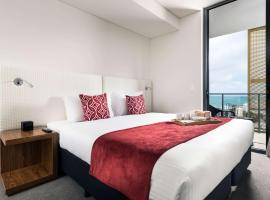 Ramada by Wyndham VetroBlu Scarborough Beach, hotel din Perth