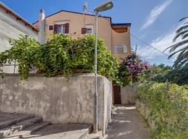 Apartments with a parking space Mali Losinj (Losinj) - 15050