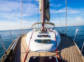 Life Aboard a Sailboat