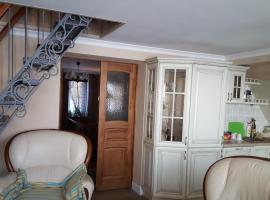 Уютные Семейные Апартаменты, beach hotel in Rybachiy