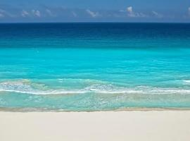 Cocoa Beach - Free Access to the Beach, hotel in Cancún