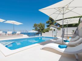 Seaside apartments with a swimming pool Prigradica, Korcula - 9290