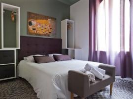 Hotel Le 126, hotel in Fréjus