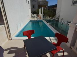 Rezidence Castello Apartments, hotel with pools in Korčula