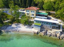Boutique Hotel Mali Raj, hotel with pools in Opatija