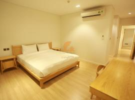 Luxury Villas 4BRS - Make Your Trip Wonderful-Istay, luxury hotel in Da Nang
