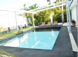 EXOTIC VILLA II - Three Bedroom Villa in Juan Dolio Beach, hotel in Juan Dolio
