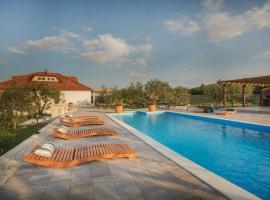 Villa Red Hacienda with Pool