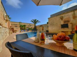 Razzett tat-Twil Farmhouse, hotel in Għarb