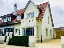 Luxury Villa in De Haan near Sea Beach, budget hotel in De Haan
