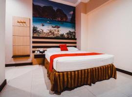 Reddoorz Plus near Makassar Town Square, hotel in Makassar