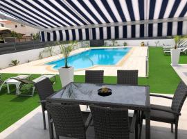 Kypkeys Apartments, hotel in Oroklini