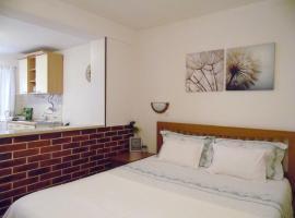 Dram Apartment, self catering accommodation in Korčula