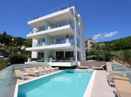Stylish apartment 100 m from the beach, hotel with pools in Opatija