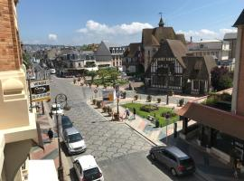 Studio Deauville Hyper Centre, hotel near Elie de Brignac Auction Rooms, Deauville