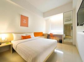 Zuri Express Lippo Cikarang, hotel in Cikarang