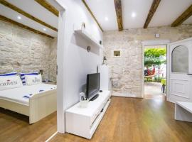 Apartments Stinice, room in Gradac