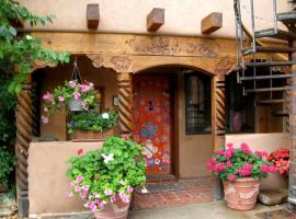 La Dona Luz Inn an Historic B&B, hotel near Rio Grande Gorge Bridge, Taos