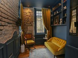 The Castle Nest, self catering accommodation in Edinburgh