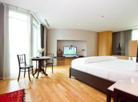 Maduzi, hotell nära Emporium köpcenter, Bangkok