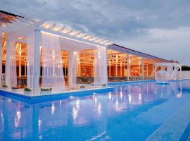 Prometey Club All Inclusive, hotel with jacuzzis in Lazarevskoye