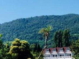 Palm Hotel