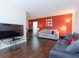 Private Apartment in Hollywood