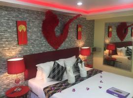 Fong Kaew and Baan Nang Fa Guesthouse