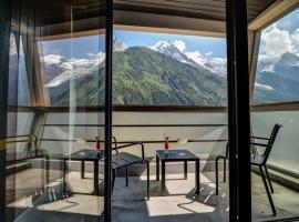 Alpina Eclectic Hotel, hotel in Chamonix-Mont-Blanc