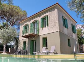 Traditional Ouzo Villa with private pool, hotel in Plomari
