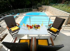 "Apartment house ""Susi"" with Pool & Sauna, hotel with pools in Opatija"
