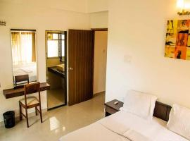 Peaceful Home stay in a serviced apartment on the ground floor