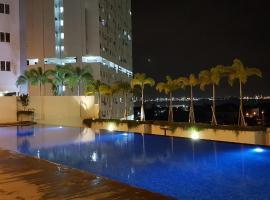 Karen's Straits Garden Suite