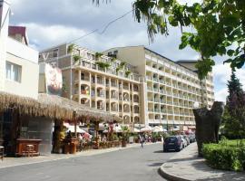 Miramar Planeta Front Beach Self Catering Apartments