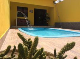 Casa com piscina no centro de Maragogi à 250 mar!, pet-friendly hotel in Maragogi