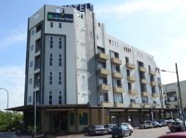 Riverview Hotel, hotel in Bahau