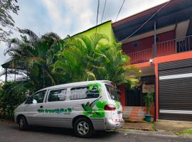 Melrost Airport Bed & Breakfast, B&B in Alajuela