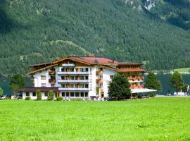 Hotel Bergland, budget hotel in Pertisau