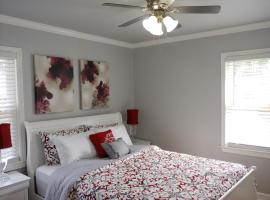 Handley Sleeps 16 only 4 miles to Downtown