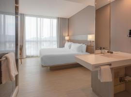 AC Hotel By Marriott Santa Marta