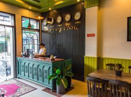 Amona Hotel, hotel near Ngu Phung, Hue