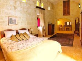 Molendini, hotel in Għarb