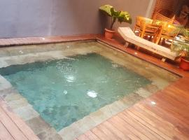Kayun Hostel Downtown, hotel with jacuzzis in Legian