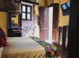 Suites Los Camilos, hotel in Mexico City