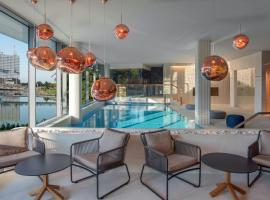 Crystal House Suite Hotel & SPA, hotel with pools in Kaliningrad