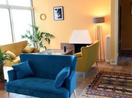 le gîte du Port, hotel in Saint-Nazaire